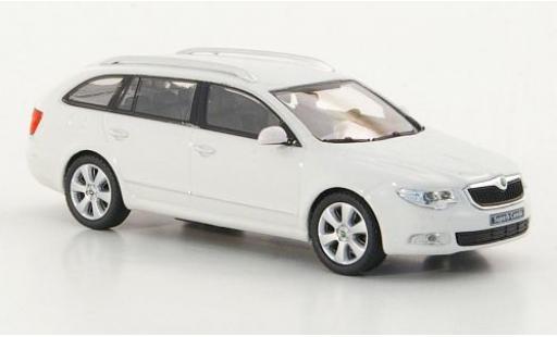 Skoda Superb 1/43 Abrex II Combi blanche 2009 miniature