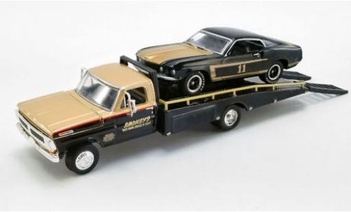 Ford Mustang 1/64 ACME Boss 302 No.11 Smokeys Trans-Am 1969 avec 1970 F-350 Ramp Truck S.Yunick diecast model cars