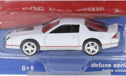 Chevrolet Camaro 1/64 Auto World bianco 1984 modellino in miniatura