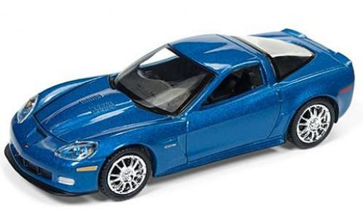 Chevrolet Corvette 1/64 Auto World Z06 metallise bleue 2011 sans Vitrine miniature
