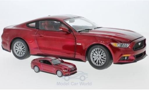 Ford Mustang GT 1/18 Auto World metallise rot/silber 2017 plus Modell in 1:64 modellautos