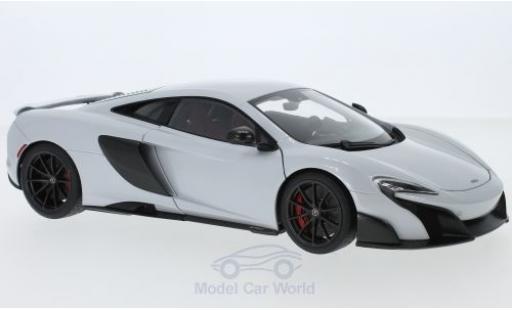 McLaren 675 1/18 AUTOart LT blanche 2016 miniature