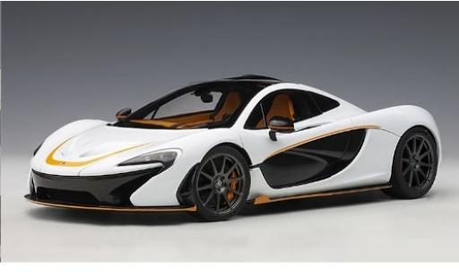 McLaren P1 1/18 AUTOart bianco/orange 2013 modellino in miniatura