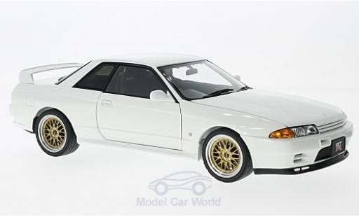 Nissan Skyline 1/18 AUTOart GT-R (R32) V-Spec II white RHD 1991 Tuned Version diecast model cars