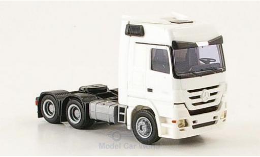 Mercedes Actros 1/87 AWM 2560 MP3 3-Achser Aerop. white diecast model cars