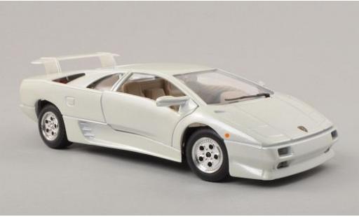 Lamborghini Diablo 1/24 Bburago metallise blanche miniature