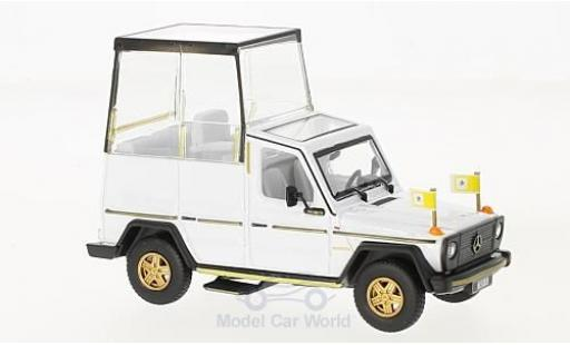 Mercedes 230 1/43 Bburago GE white PAPAMOBILE 2010 diecast model cars