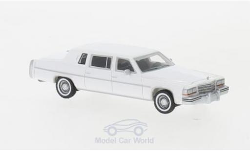 Cadillac Fleetwood 1/87 BoS Models Formal Limousine white 1980 diecast