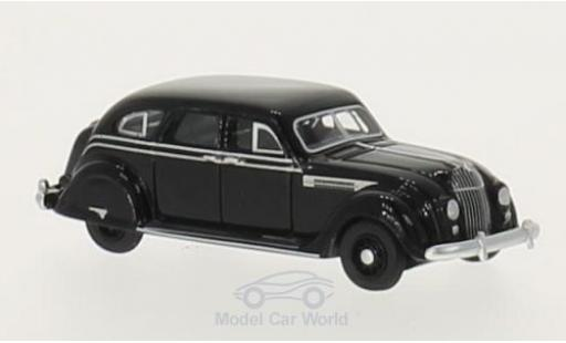 Chrysler Airflow 1/87 BoS Models noire 1936 miniature
