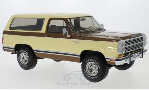 Dodge RAM 1/18 BoS Models Ramcharger beige/métallisé marron 1979 miniature