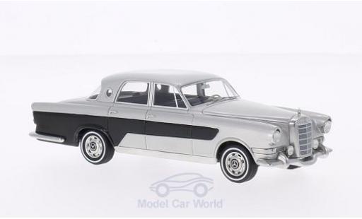 Mercedes Classe G 1/43 BoS Models Ghia 300C Berlina grise/noire 1956 miniature