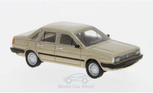Volkswagen Santana 1/87 BoS Models metallise beige 1982 miniature
