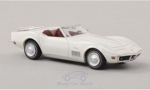 Chevrolet Corvette 1/87 Brekina C3 white diecast model cars