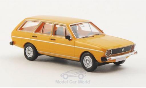 Volkswagen Passat 1/87 Brekina Drummer Variant jaune miniature