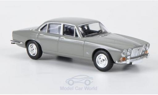 Jaguar XJ 6 1/87 Brekina grey diecast model cars