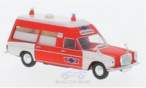 Mercedes /8 1/87 Brekina KTW Werkfeuerwehr Phoenix miniature