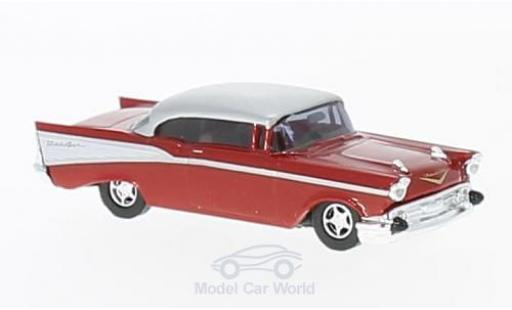 Chevrolet Bel Air 1957 1/87 Busch metallise rouge/grise miniature