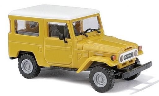 Toyota Land Cruiser 1/87 Busch J4 yellow/white 1960 diecast model cars