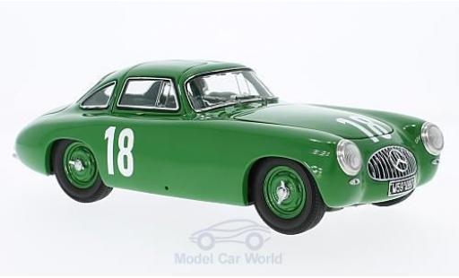 Mercedes 300 SL 1/18 CMC (W194) verte No.18 GP Bern 1952 K.Kling miniature