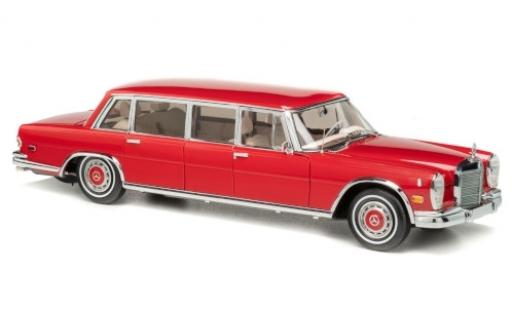 Mercedes 600 1/18 CMC Pullman (W100) rot 1972 Roter Baron Charles M. Schulz modellautos