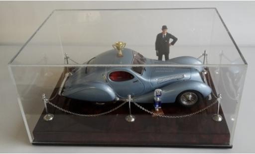 Talbot Lago 1/18 CMC Diorama: T150 C-SS metallise bleue RHD y compris les podium Vitrine figurine et plinthe miniature