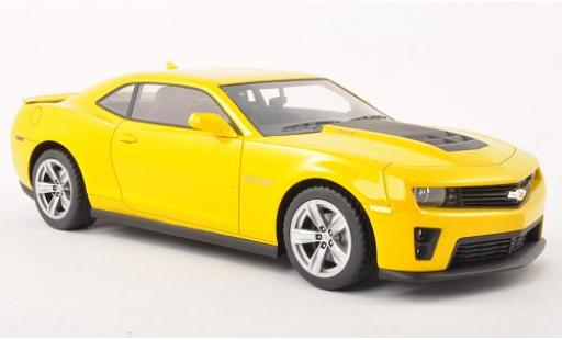 Chevrolet Camaro 1/18 CMF ZL1 yellow 2011 diecast model cars
