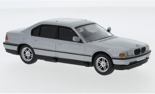 Bmw 750 1/36 Corgi iL (E38) metallise grau James Bond 007 Tomorrow Never Dies avec fonction modellautos