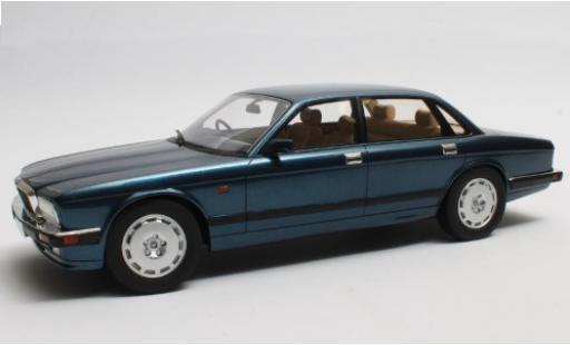 Jaguar XJ 1/18 Cult Scale Models R (40) metallise bleue RHD 1990 miniature