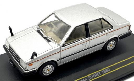 Nissan Sunny 1/43 First 43 Models grise/Dekor RHD 1980 miniature