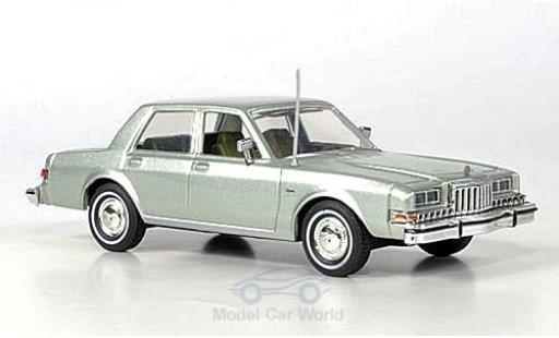 Dodge Diplomat 1/43 First Response metallise verte 1985 mit reichhaltigem Zubehör miniature