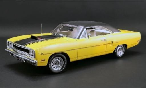 Plymouth Road Runner 1/18 GMP jaune/matt-noire 1970 avec Figurenkopf � aufstecken miniature