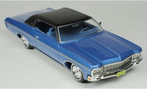 Chevrolet Impala 1/43 Goldvarg Collections Custom Coupe metallise bleue/matt-noire 1970 miniature
