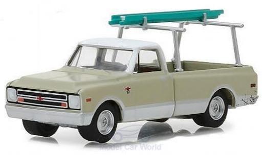 Chevrolet C-10 1/64 Greenlight beige/blanche 1970 mit Leiter miniature