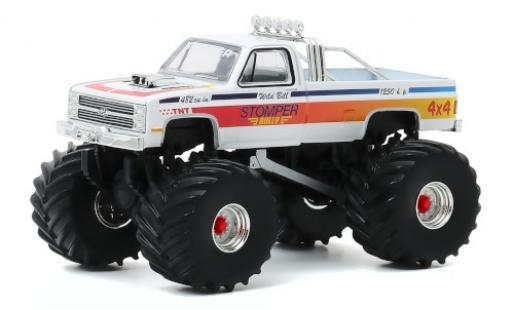 Chevrolet C-20 1/64 Greenlight Monster Truck Stomper Bully 1984 modellautos