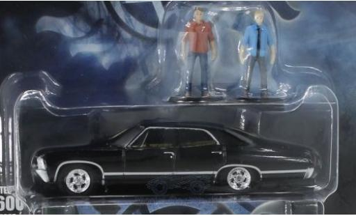 Chevrolet Impala 1967 1/64 Greenlight Sport Sedan noire Supernatural 1967 mit Figuren miniature