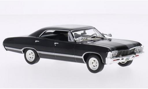 Chevrolet Impala 1/43 Greenlight Sport Sedan noire Supernatural TV Series 1967 miniature