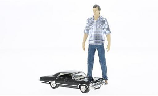 Chevrolet Impala 1/64 Greenlight Sport Sedan Supernatural avec Sam figurine in 1:18 miniature