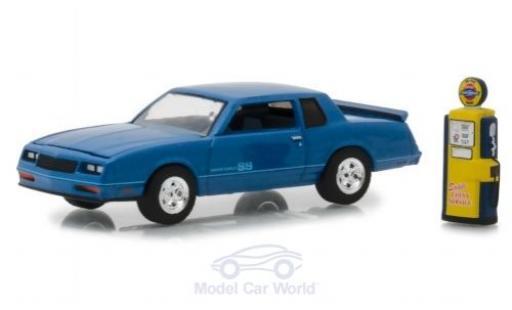 Chevrolet Monte Carlo 1/64 Greenlight SS metallise bleue 1984 mit Zapfsäule miniature
