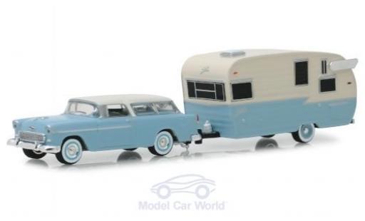 Chevrolet Nomad 1/64 Greenlight bleue/beige 1955 mit Shasta Airflyte miniature