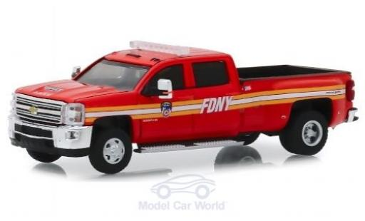 Chevrolet Silverado 1/64 Greenlight 3500HD FDNY 2018 miniature