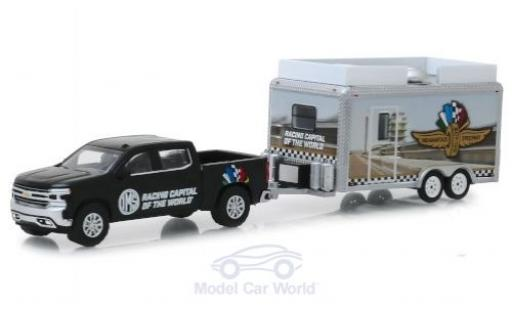 Chevrolet Silverado 1/64 Greenlight Indianapolis Motor Speedway 2019 and Concession Trailer miniature