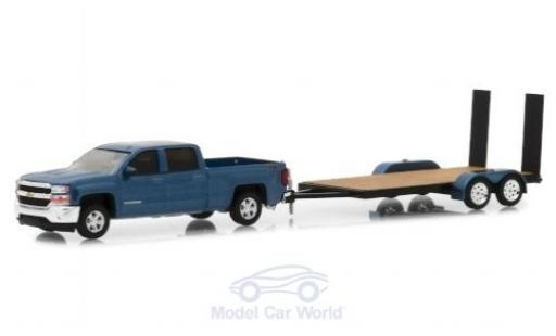 Chevrolet Silverado 1/64 Greenlight metallise bleue 2018 mit Transportanhänger miniature