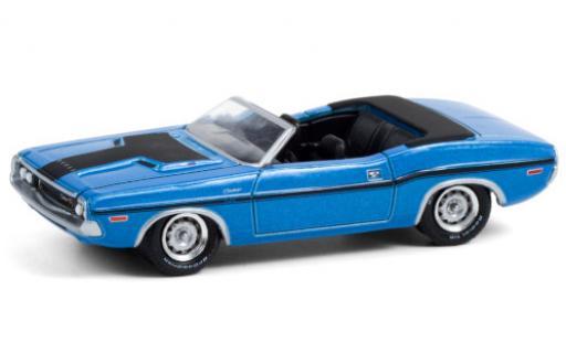 Dodge Challenger 1/64 Greenlight R/T HEMI Convertible metallise blue/matt-black 1970 diecast model cars