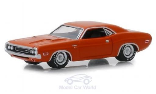 Dodge Challenger 1970 1/64 Greenlight R/T Hemi orange miniature