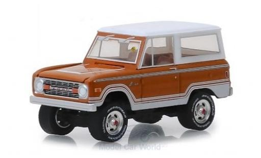 Ford Bronco 1/64 Greenlight Ranger marron/blanche 1977 miniature