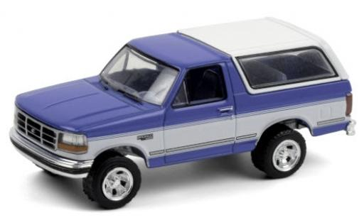 Ford Bronco 1/64 Greenlight XLT metallise blue/white 1992 diecast model cars