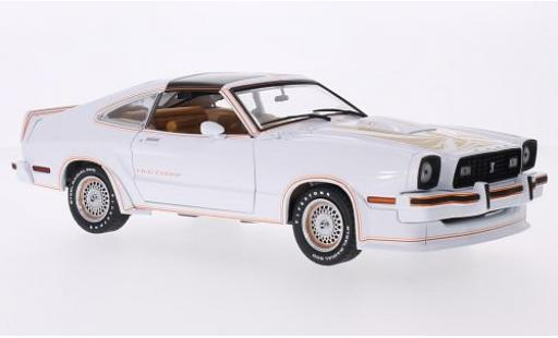 Ford Mustang 1/18 Greenlight II King Cobra blanco/gold 1978 coche miniatura