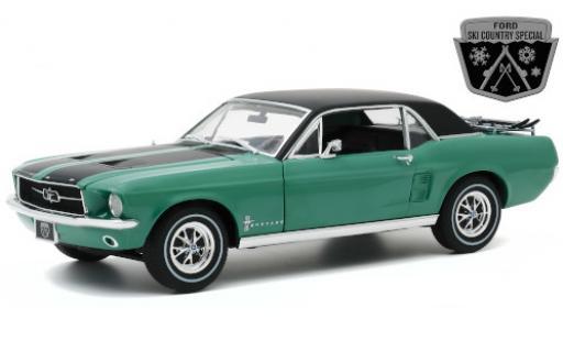 Ford Mustang 1/18 Greenlight Ski Country Special metallise green/matt-black 1967 mit Dachgepäckträger diecast model cars