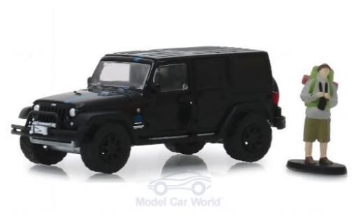 Jeep Wrangler 1/64 Greenlight Unlimited 2012 mit Backpacker-Figur miniature