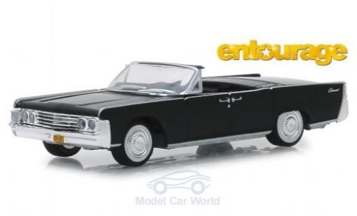 Lincoln Continental 1/64 Greenlight Convertible noire Entourage 1965 miniature